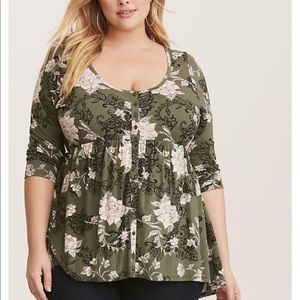 Torrid olive floral button front top size 3